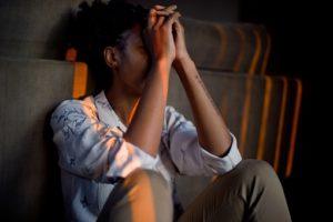 se libérer du burn-out - sortir du burn-out - stress au travail - les signes du burn-out - les symptômes du burn-out - épuisement professionnel - antidépresseur anxiolytique – hormone - du burn-out au bonheur